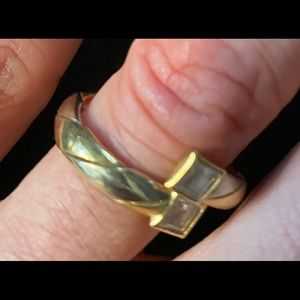 Twisted infinity Gold ring with stud size 7/8